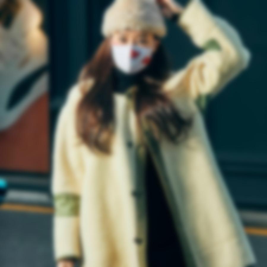 красивая защитная маска
