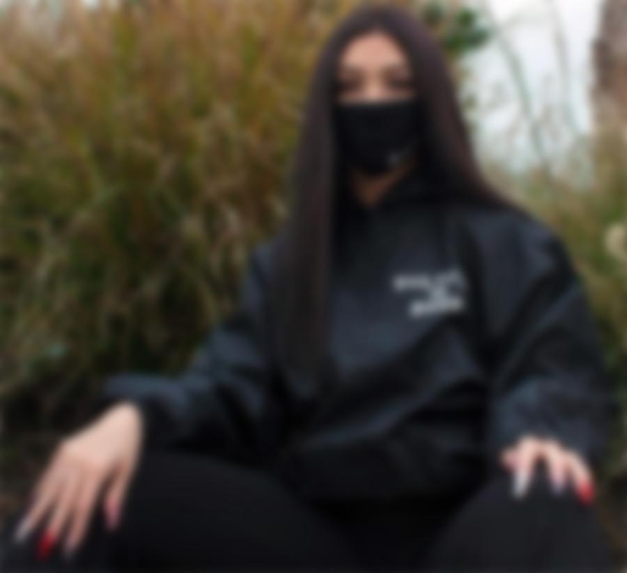 стильные защитные маски для лица