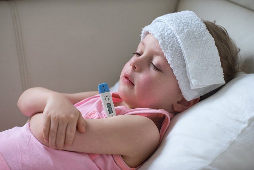 Можно ли дышать небулайзером при температуре 38 ребенку физраствором