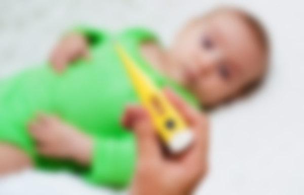 Пришли с прогулки у ребенка температура