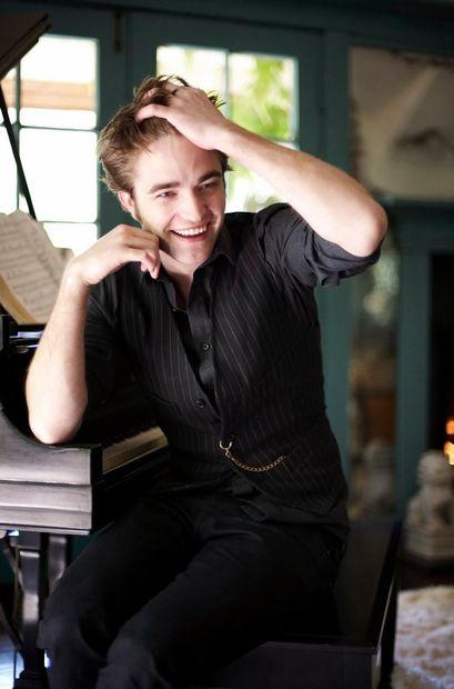 Роберт Паттинсон работает над дебютным альбомом