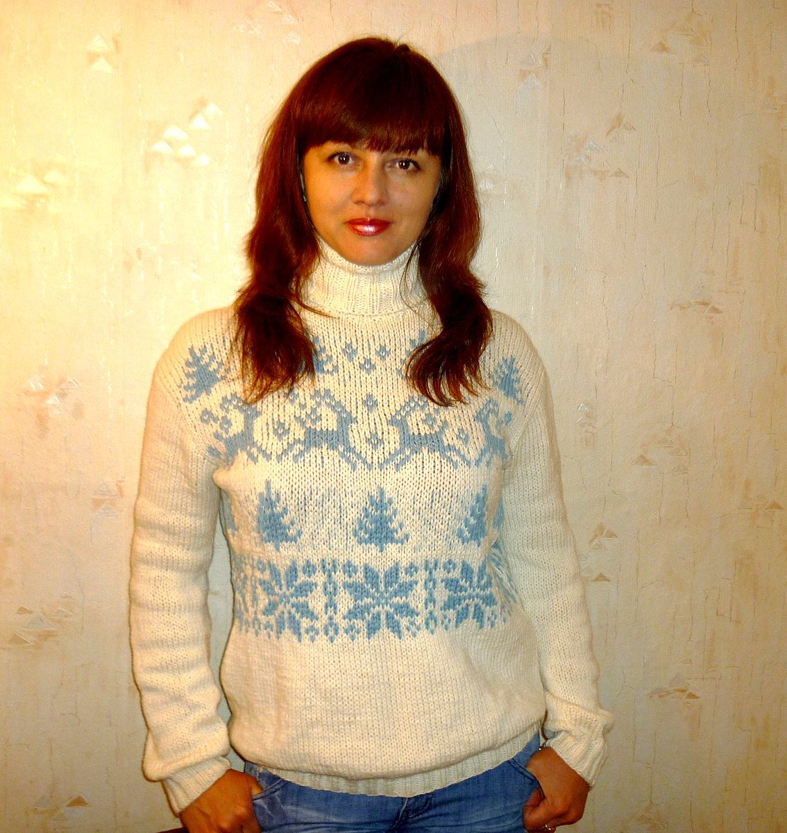Связать свитер с оленями женский