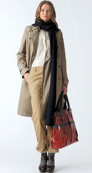 Бежевое пальто Alexander Wang.