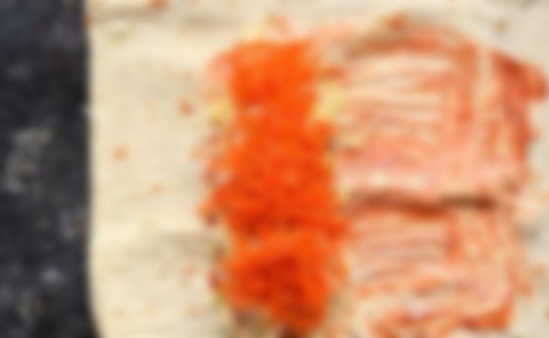Шаурма с копченой куриной грудкой и красным луком - рецепт пошаговый с фото