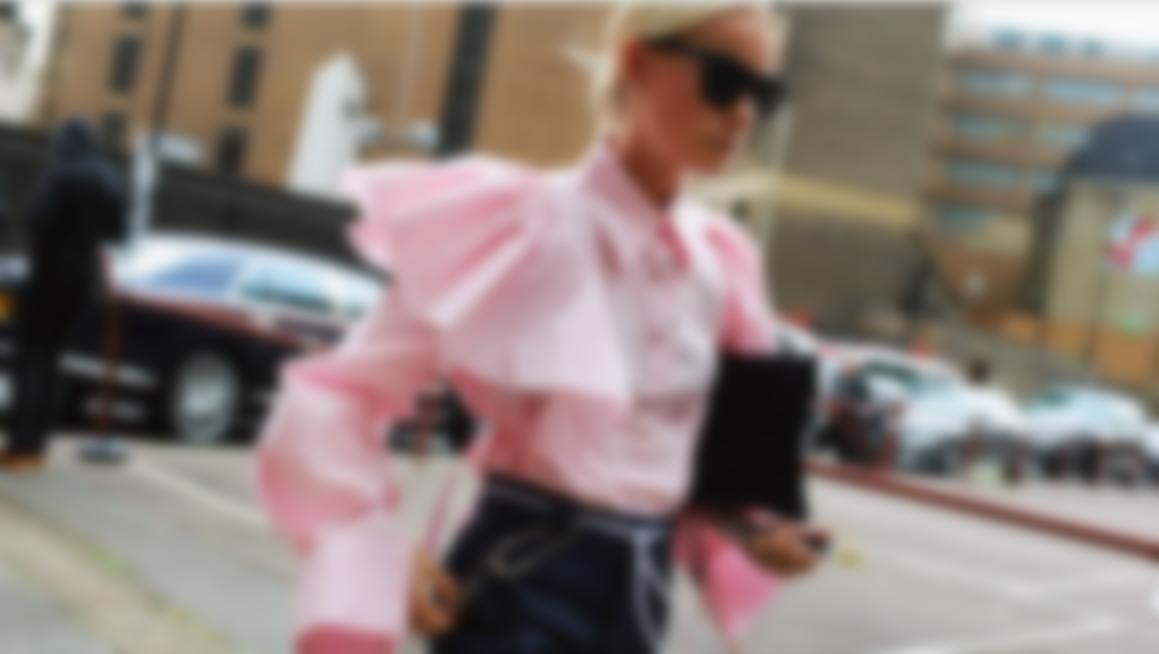 Блузки 2018 года  модные тенденции, фото - новинки 57d72e6c505