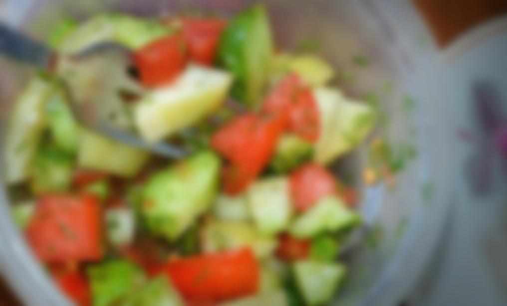 Салат Огурцы С Помидорами Для Похудения. Можно ли похудеть на огурцах и помидорах, правила и меню эффективной овощной диеты на 7 дней