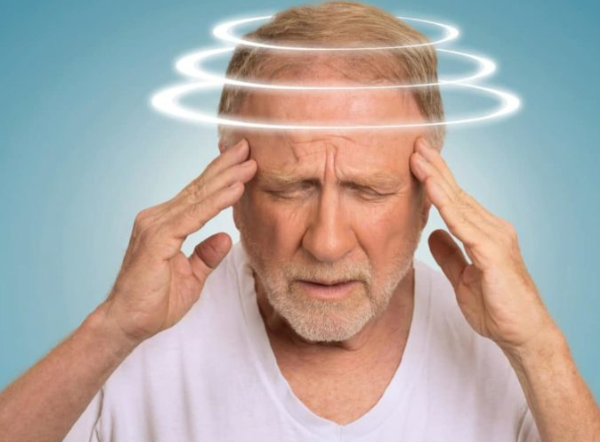При резких движениях кружится голова почему
