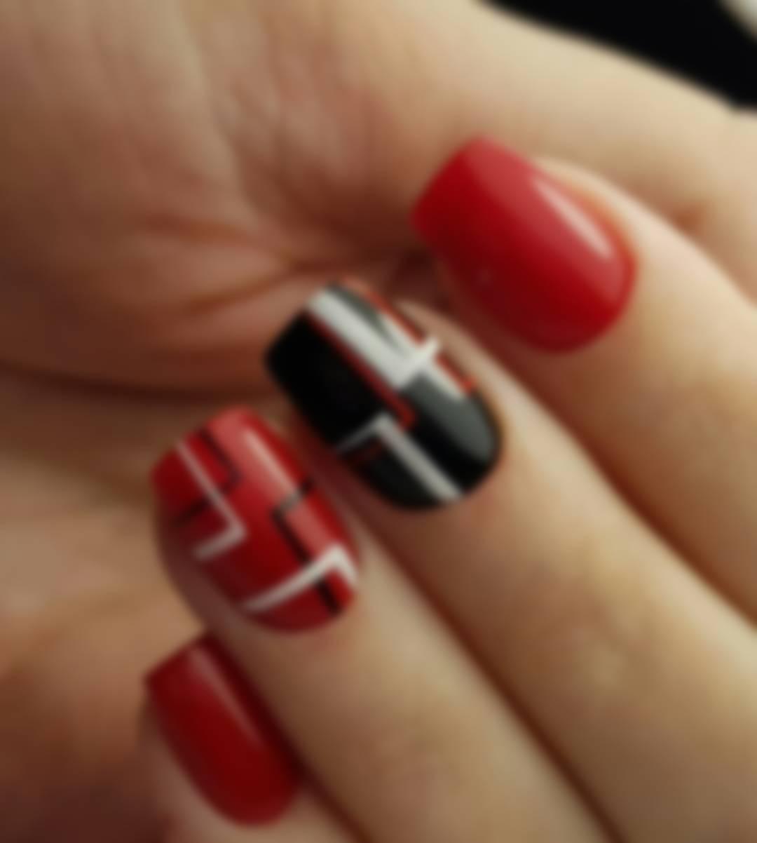 Маникюр для коротких ногтей красный и черный