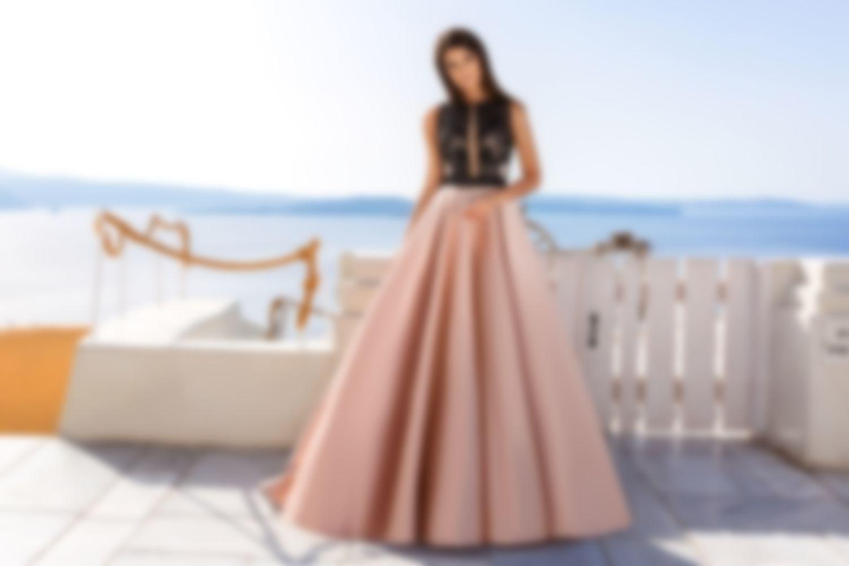 61be0af438b Платья на выпускной 2018 в 11 классе  фото - самые красивые новинки