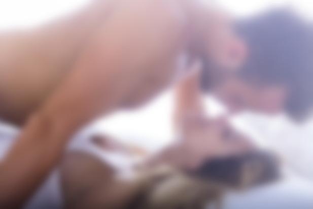 Позы молодой жены при страстном сексе с мужем видео