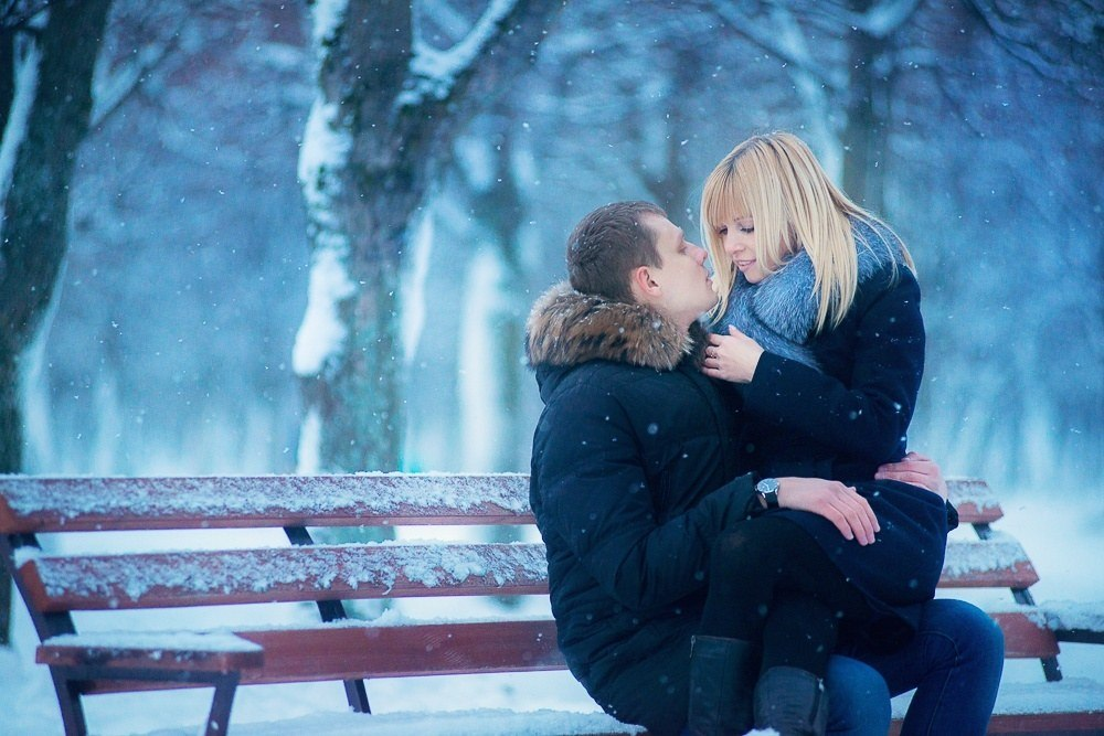 картинки целующийся пары зимой