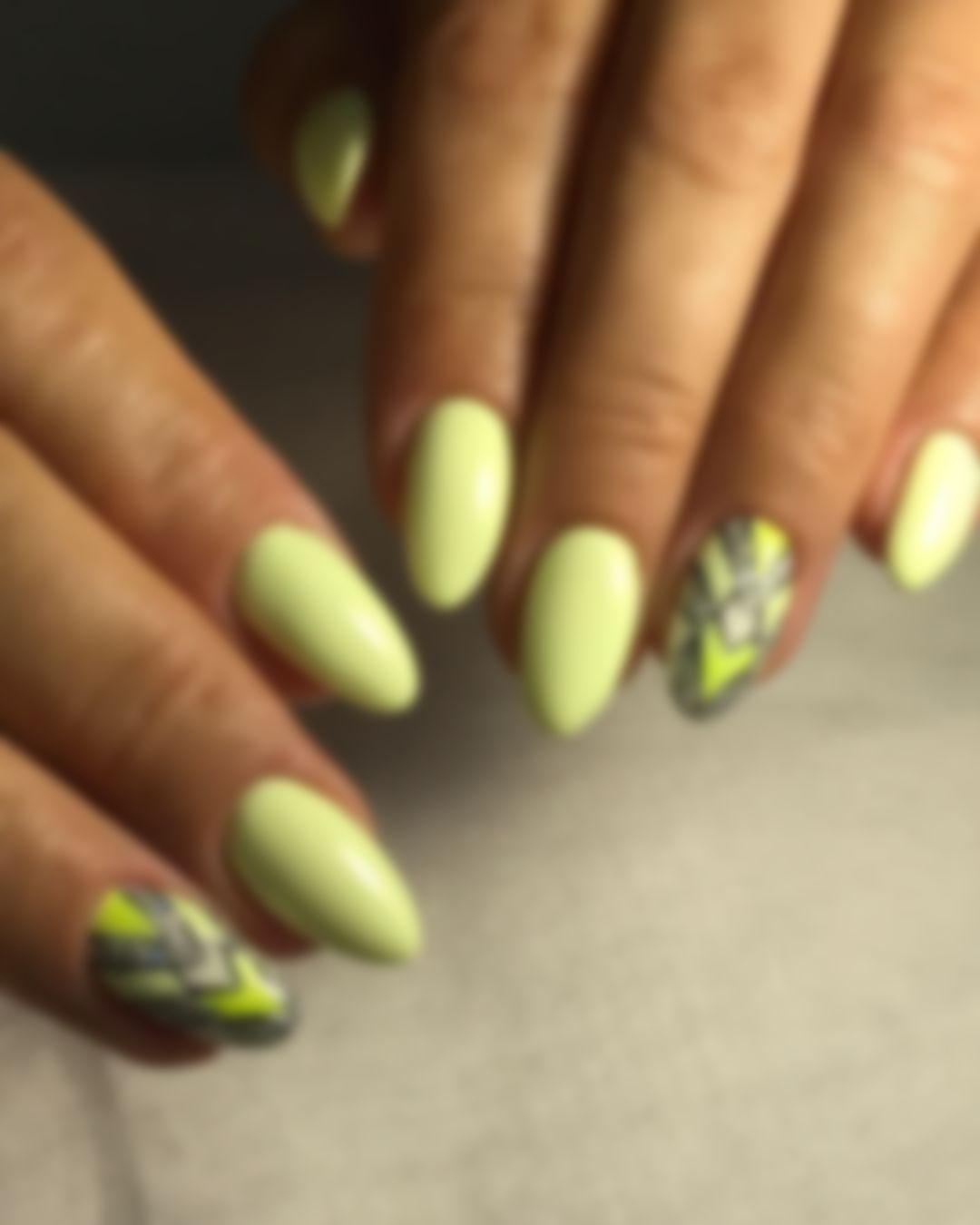 остановиться, отставив оригинальный дизайн ногтей с фото для лета один раз увидеть