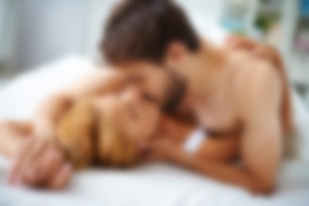 Интимный массаж для любви секс в постели