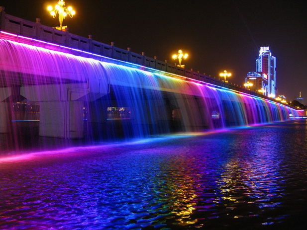 Фонтан Лунная радуга в Сеуле