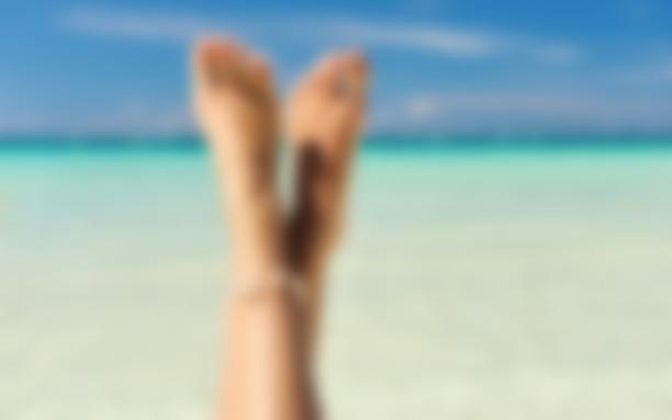 Мамки красивые ноги на пляжу сосет негра мега