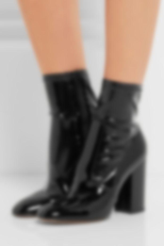 e1ed2601d Популярными также станут ортопедические ботинки на твердой подошве (и даже  очень масштабной платформе), скрепленной широкими полосками из мягкой ткани.