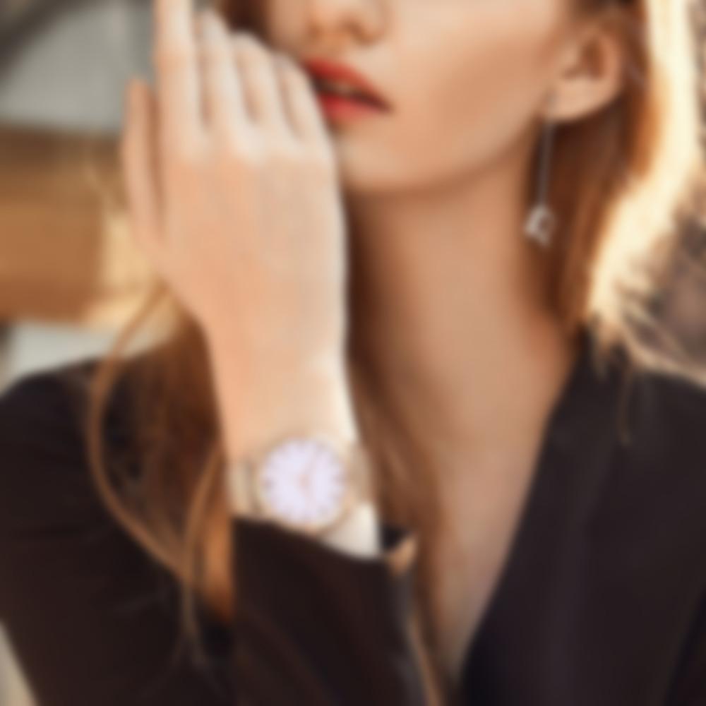 41d4a61fca3d Выбрав в 2019 году модные женские наручные часы под любой стиль, можно  сделать свой имидж оригинальным и узнаваемым. Ведущие производители элитных  ...