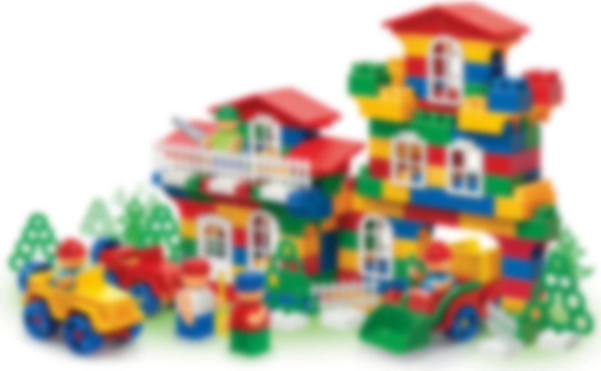 Картинка улицы и дома из конструктора