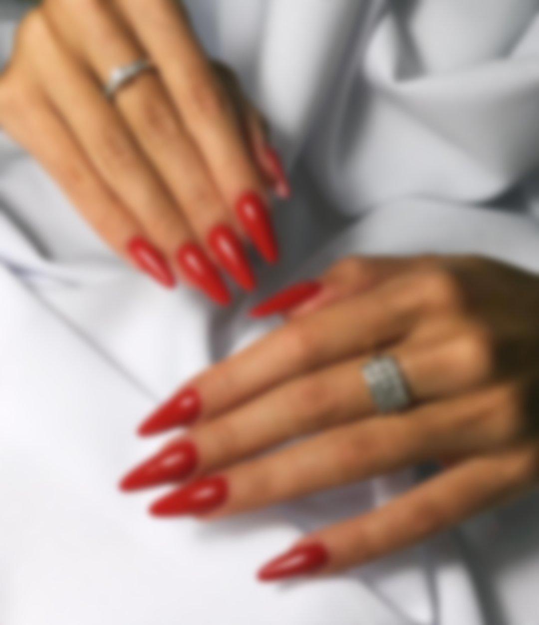 Картинки красного маникюра на длинные ногти