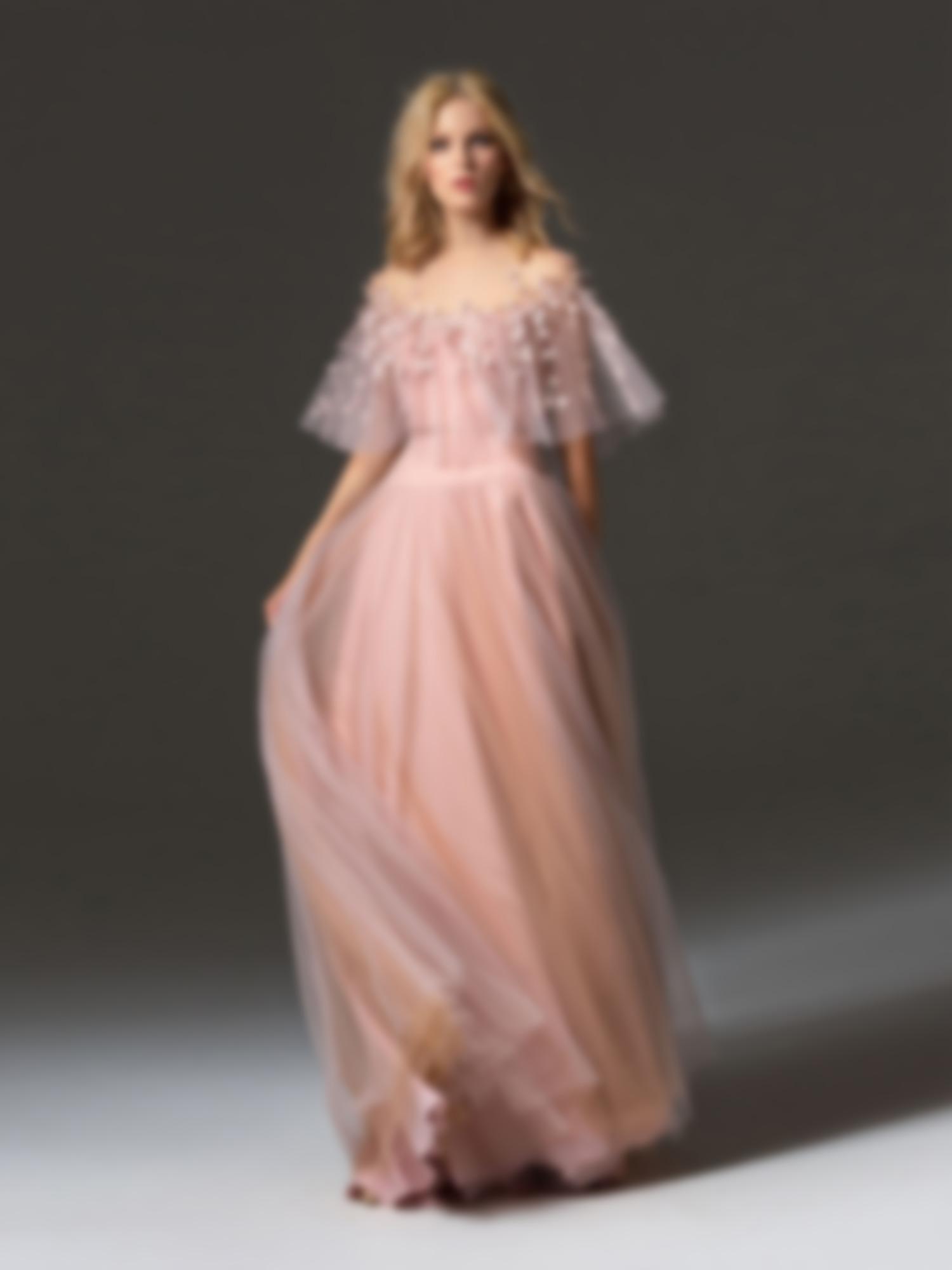 5d5f77b429e2f64 В свете последних модных тенденций цвета выпускных платьев имеют достаточно  широкий спектр оттенков. Юная особа будет выглядеть одинаково ярко и ...