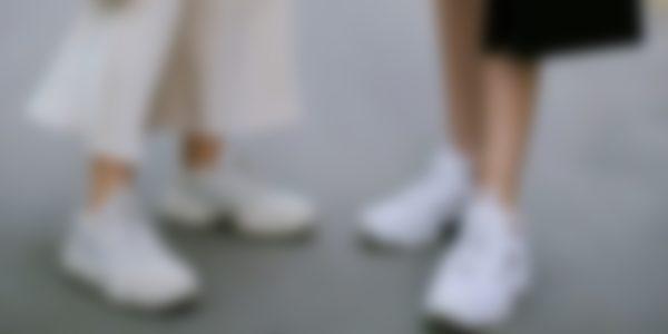 Модные белые кеды 2020