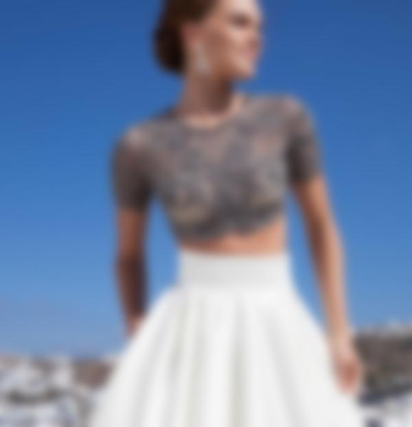 Асиметричні сукні на випускний 2018 дозволяють створити особливий образ.  Дівчина неодмінно продумає образ до найдрібніших нюансів і проявить свій  стиль. 2ab7eb716ad63
