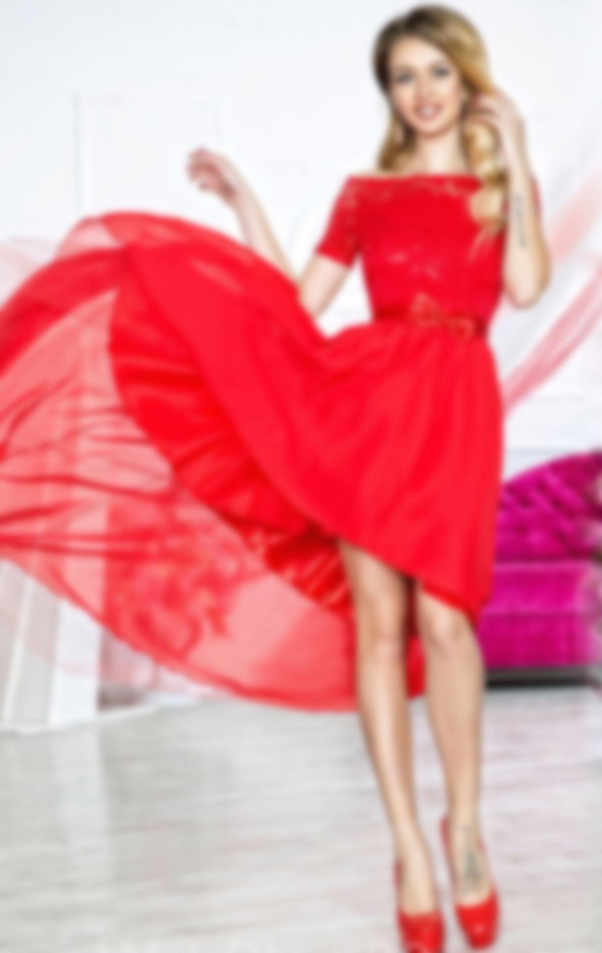 baee49c18c3 Платья на выпускной 2018 в 11 классе  фото - самые красивые новинки