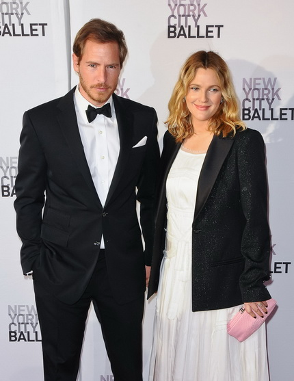 Drew barrymore marriage history