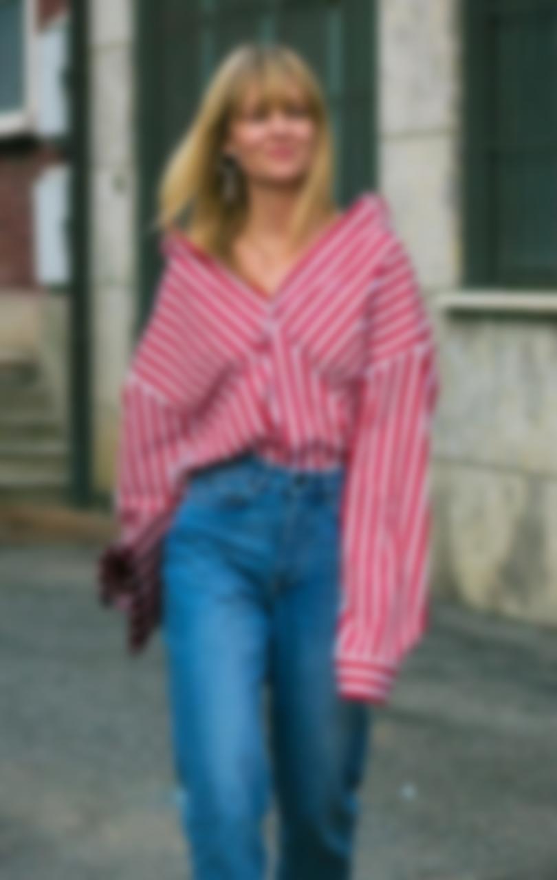 1cedb6a0e916 В дополнение к тренду была использована частичная и фигурная перфорация  блузы, которая смотрится очень эффектно.
