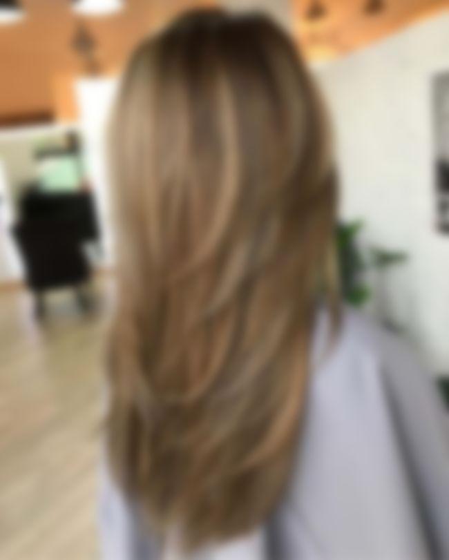 Фото каскада на длинные волосы без челки