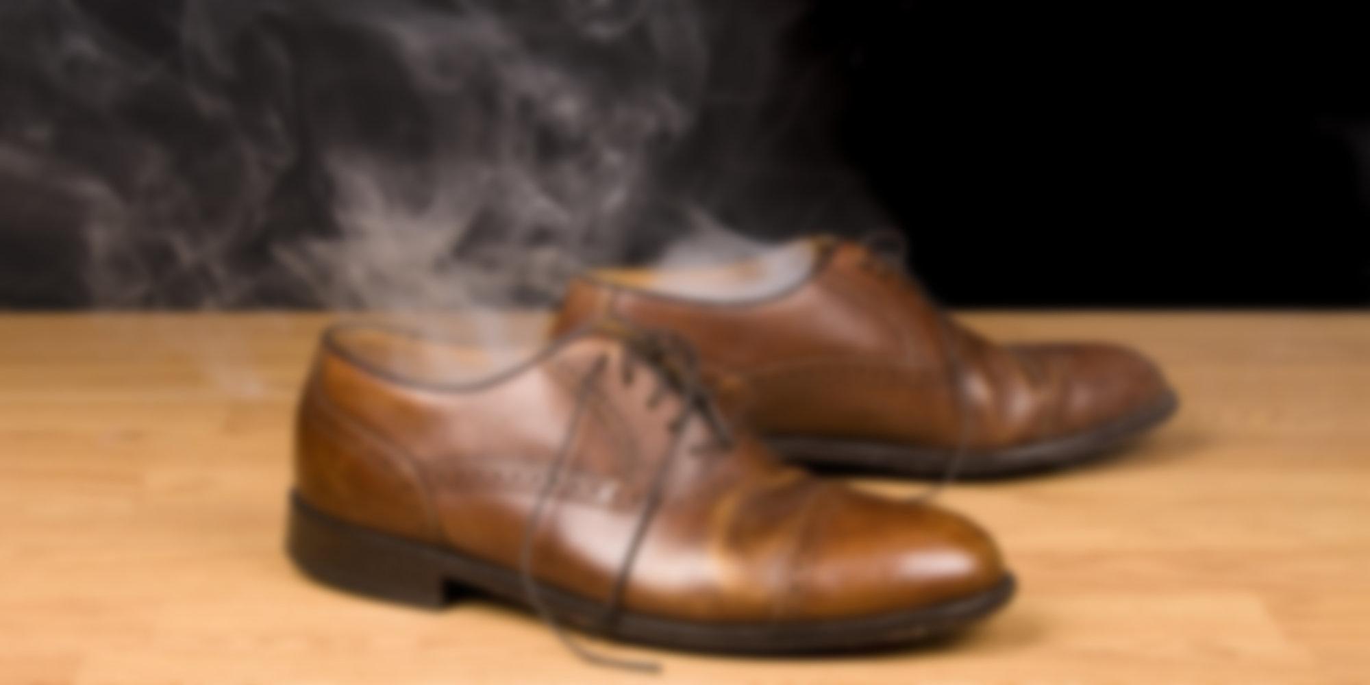 Как можно убрать запах с обуви в домашних условиях 32