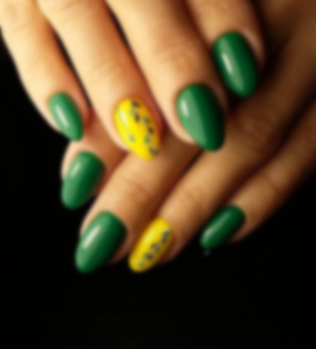 приятная желто зеленый маникюр фото тюльпанами зеленом кувшине