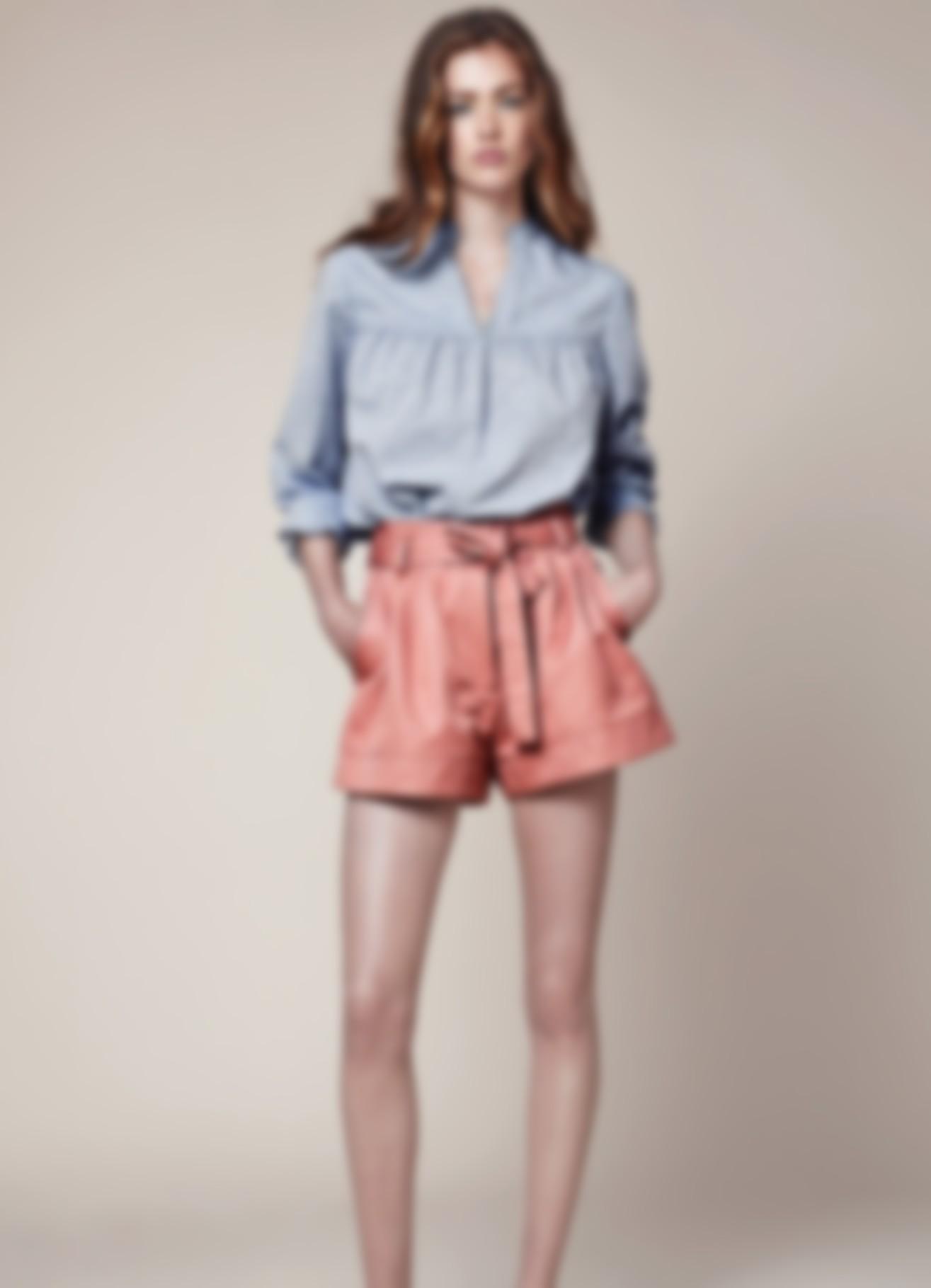 041826c1450 с джинсами блузки 2019 года весной-летом комбинируют все без исключения.  Кто-то – наиболее строгие