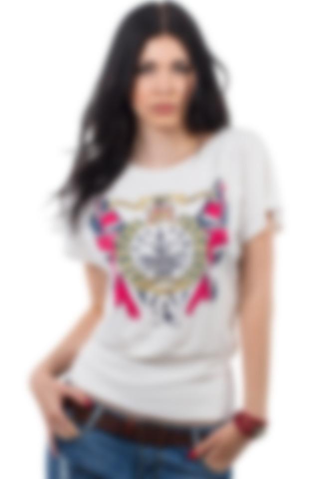 5c8caf7efb200 Модные футболки 2019 (женские): новинки, фото
