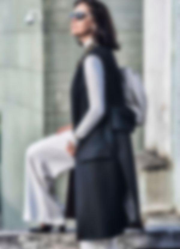 9af545a9c18 Наибольшая часть женской одежды выглядит очень эксклюзивно и модно. Ниже  представлена фото-коллекция