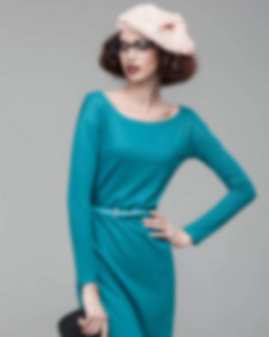 8b3de9825152263 Но такая модель требует применения дополнительных аксессуаров, которые бы  окончательно завершали образ. Например, в сочетании с этим платьем будет  прекрасно ...