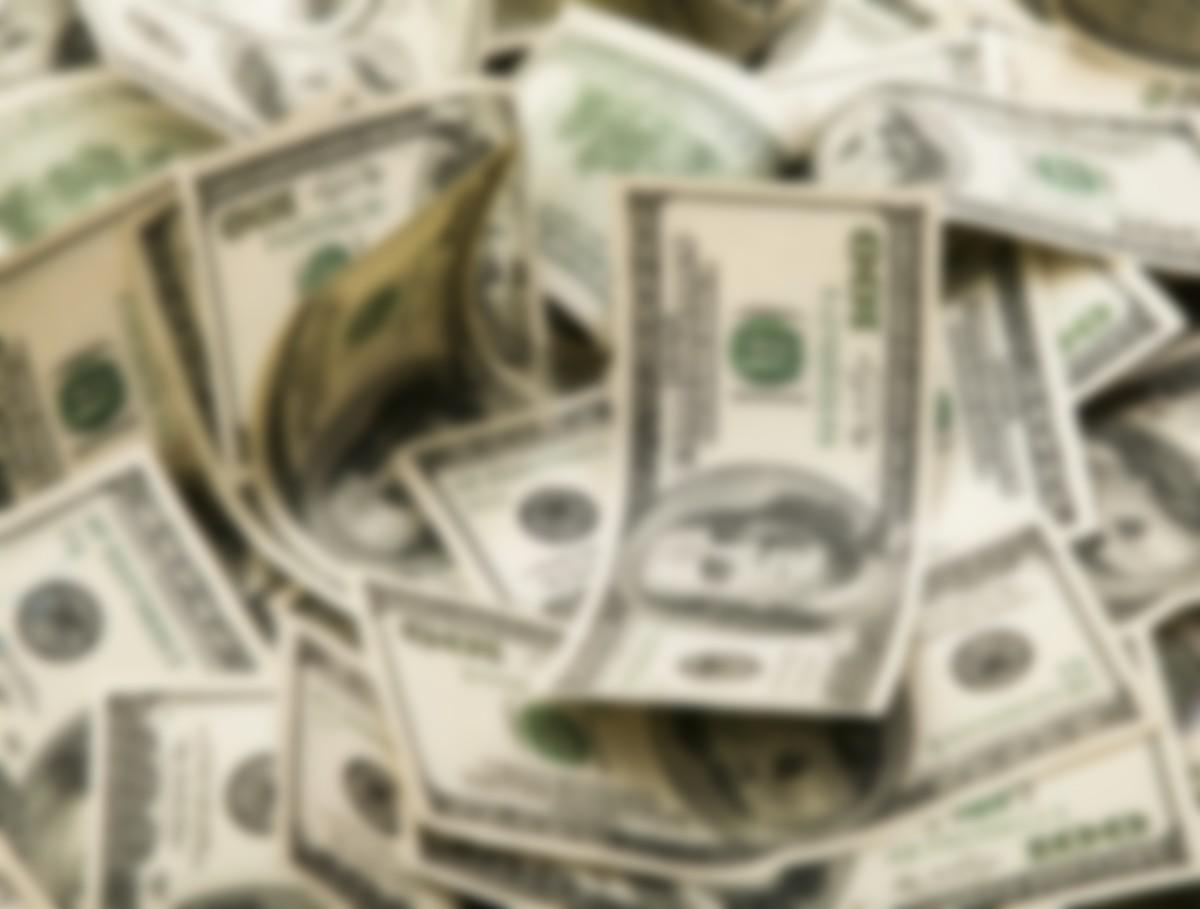 фото про доллары дугу согнутый старичок
