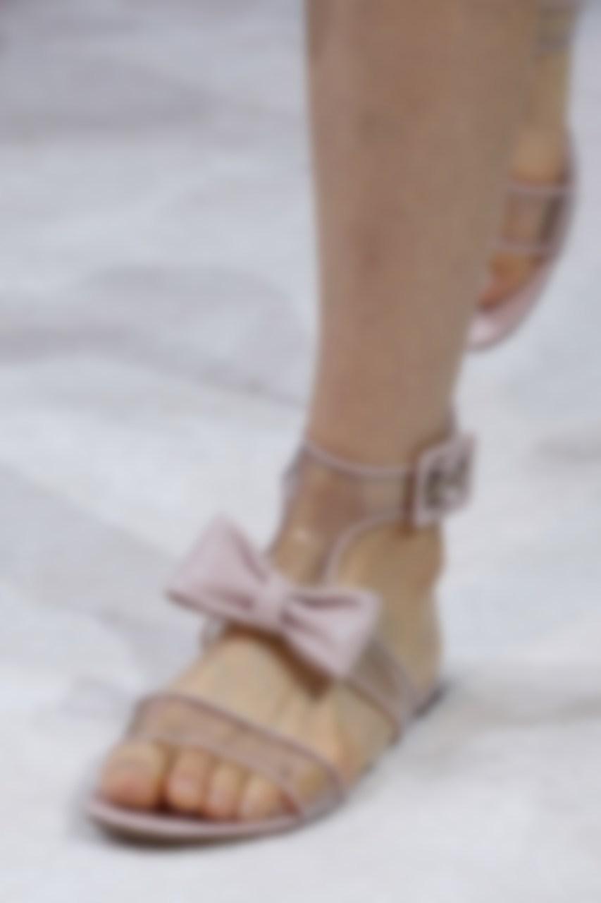 fdb9d7459 Если вы захотите выделиться, просто купите себе модели с кисточкой. Такая  обувь бросается в глаза, но выглядит элегантно только в том случае, если  девушка ...