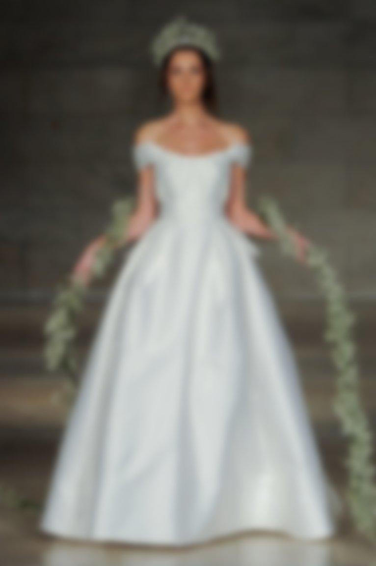 Свадебный костюм для девушек
