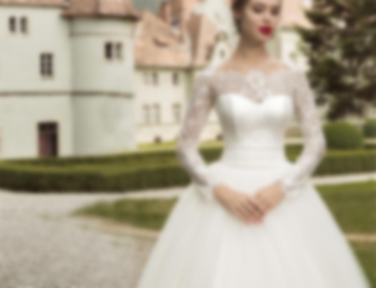 12fb2a3a3e7 Свадебные платья 2018  модные тенденции с фото для самых красивых невест