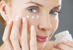 Рейтинг кремов для возрастной кожи лица после 60 лет: отзывы