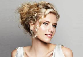 Женские прически на средние волосы — на каждый день и вечерние