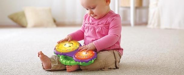 Какие игрушки для новорожденных нужны