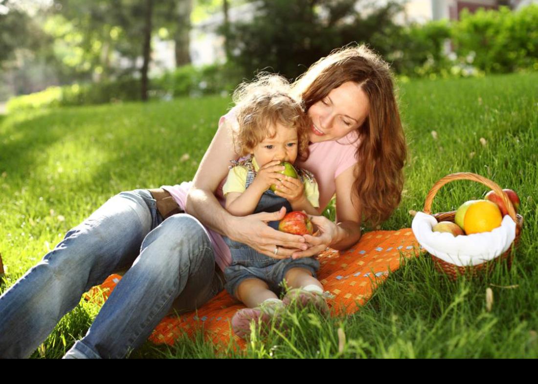 Фото голых девочек на пикниках 12 фотография