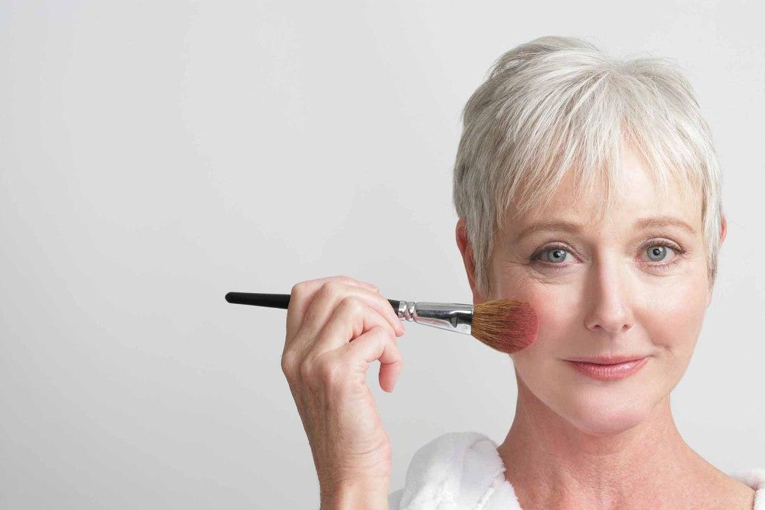 Как правильно сделать макияж тем кому за 40