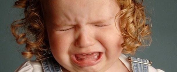 Красное пятнышко шелушится на коже у ребенка