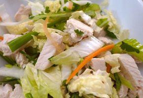 Красивый и очень вкусный салат из пекинской капусты и курицы