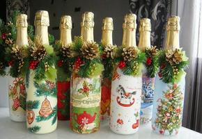 Как красиво украсить бутылку шампанского на Новый 2020 год