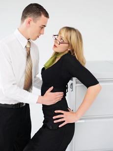 Что может сделать замужняя женщина за деньги видео фото 522-791