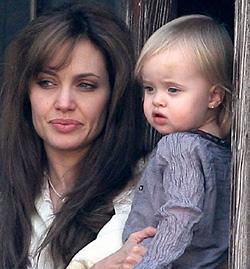 Дочь Джоли и Питта будет получать $3 тыс в неделю за роль принцессы